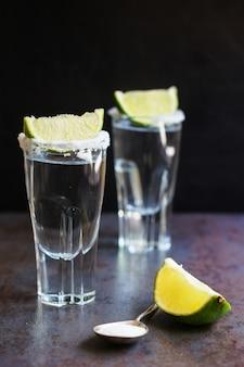 Tequila schoss mit kalk