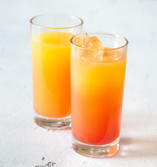 Tequila sonnenaufgang cocktails