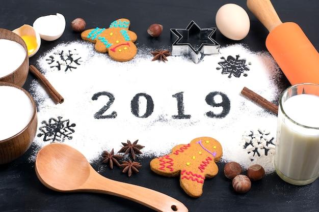 Text 2019 gemacht mit mehl mit dekorationen