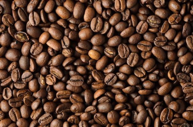 Textur aus gerösteten kaffeebohnen nahaufnahme, hintergrund.