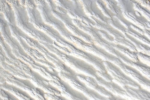 Textur von travertin in pamukkale. truthahn
