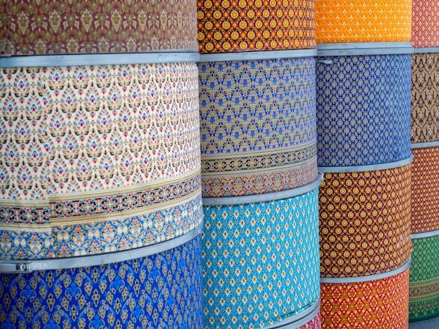 Thai seidenkleider