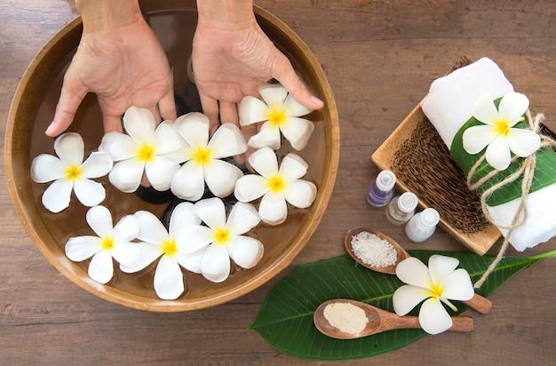 Thai spa massage behandlung und produkt