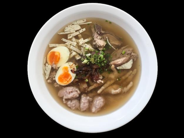 Thailändische nudeln asiatisches essen,