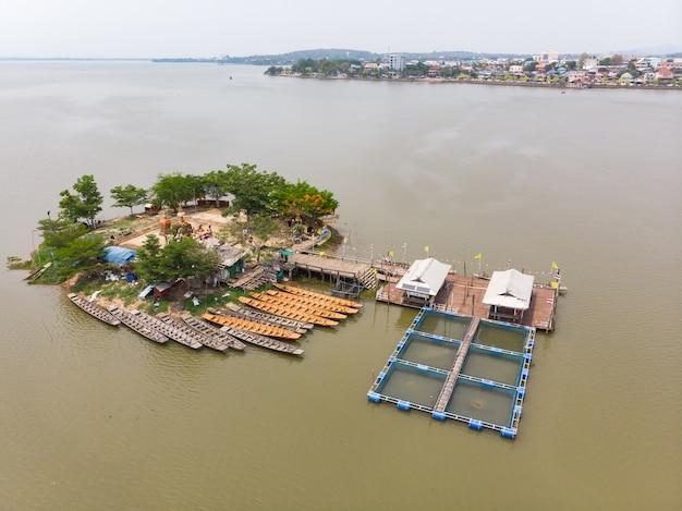 Thailändischer öffentlicher unterwassertempel