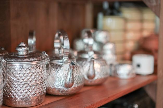 Thailändisches vintage küchengeschirr
