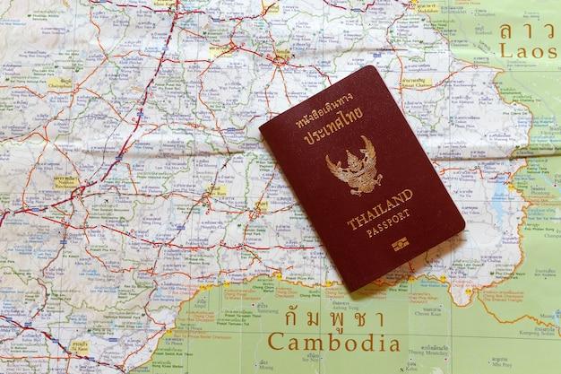 Thailand-pass auf der karte für weltreisen und reisen in laos und combodia
