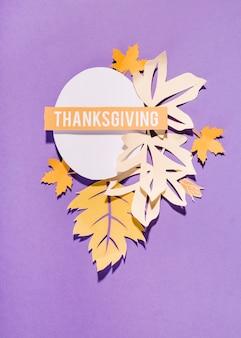 Thanksgiving-schriftzug auf weißem oval