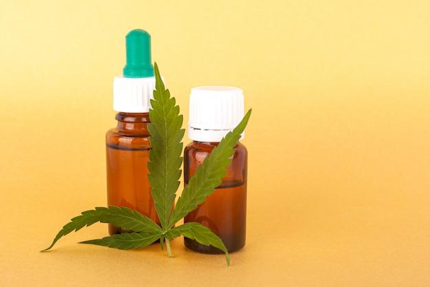 Thc und cbd extrahieren medizinisches hanföl, kräuterelixier und naturheilmittel für druck- und krankheitsnahaufnahme.