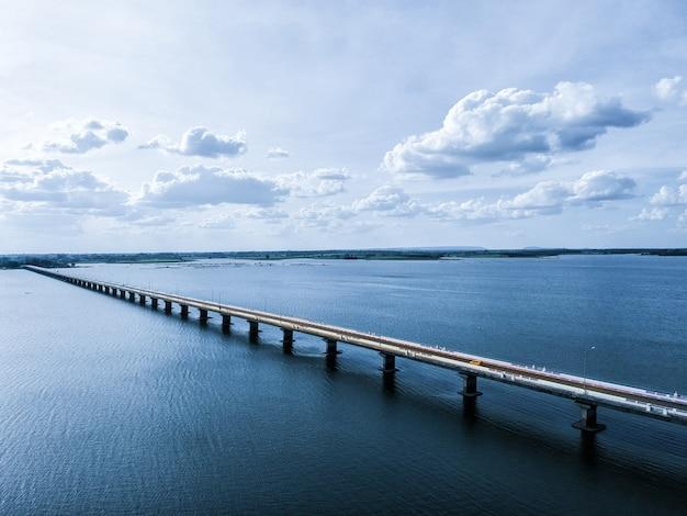Thep sada bridge betonbrücke über lam pao dam bei kalasin.