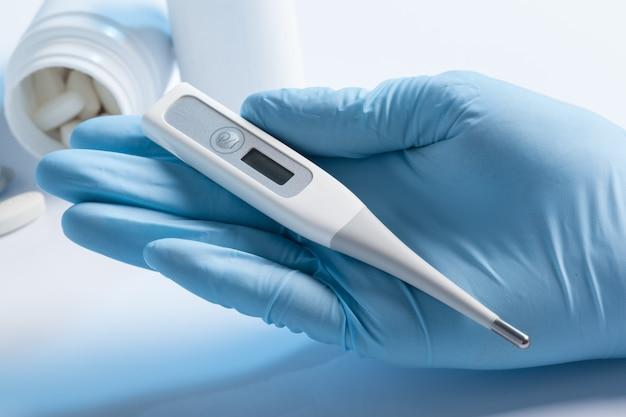 Thermometer und pillen