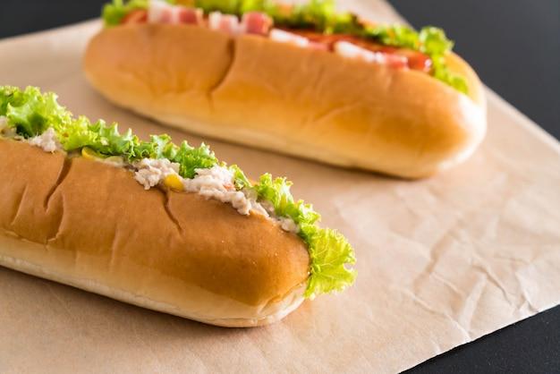 Thunfisch-mais-salat-würstchen und speckwurst-würstchen