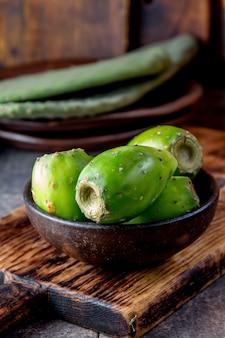 Thunfischkaktusfrucht, kaktusfeige, kaktusbirne. lateinamerikanischer fruchtthunfisch