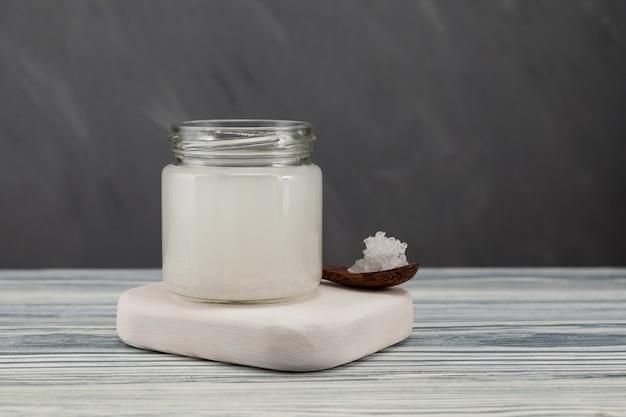 Tibicos - wasserkefir, fermentiertes getränk aus wasser und symbiotische kultur von bakterien und hefen.