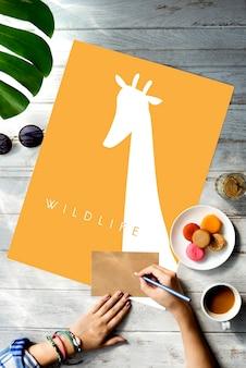 Tier-wildtier-wort mit giraffen-grafik