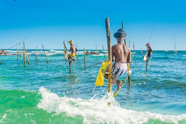 Tilt fishing, die einzigartige art des fischens in sri lanka