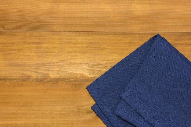 Tischdecke auf hölzernem hintergrund oder hintergrund