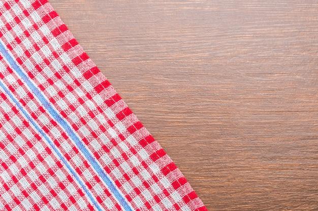 Tischdecke auf holzuntergrund