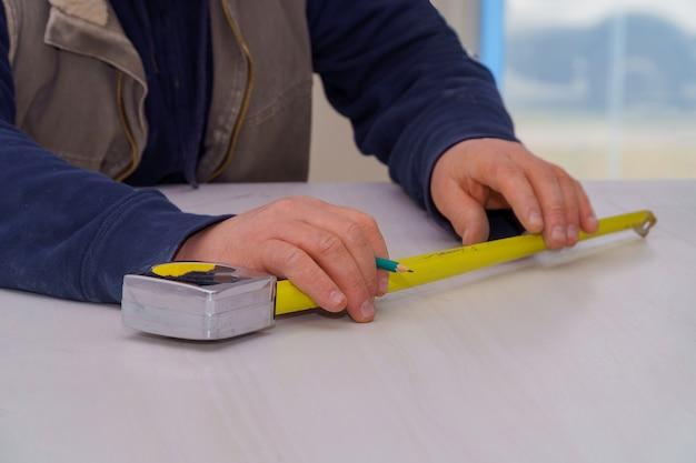 Tischlerei messende laminatgegenplatte für geschnittene küche gestalten um.