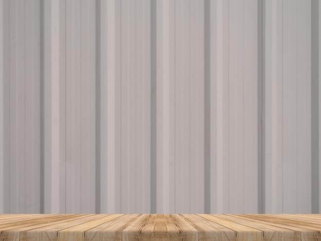 Tischplatte aus holz an einer tropischen diagonalen holzwand