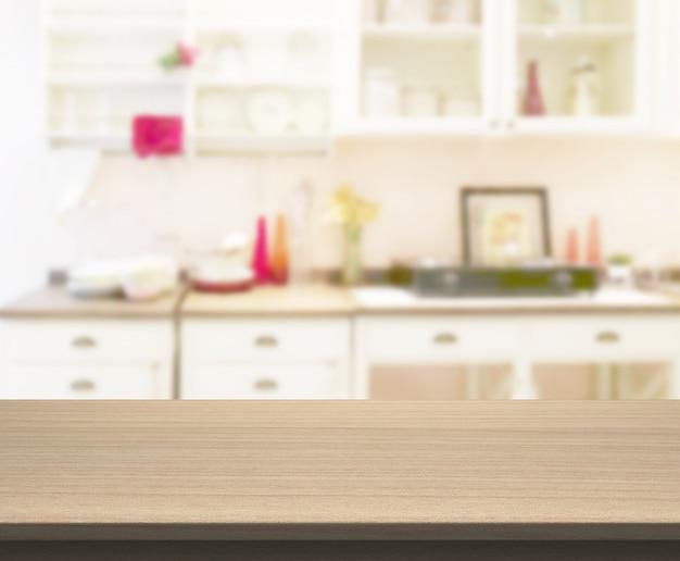 Tischplatte für die produktpräsentation. unscharfes küchenzimmer