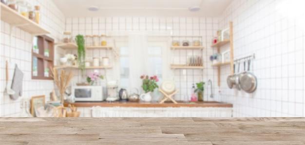Tischplatte und küchenausstattung aus holz
