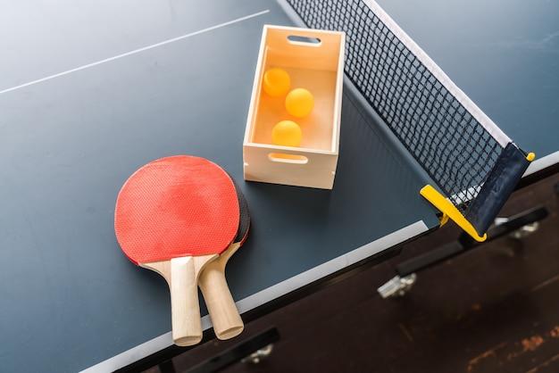 Tischtennis oder tischtennis