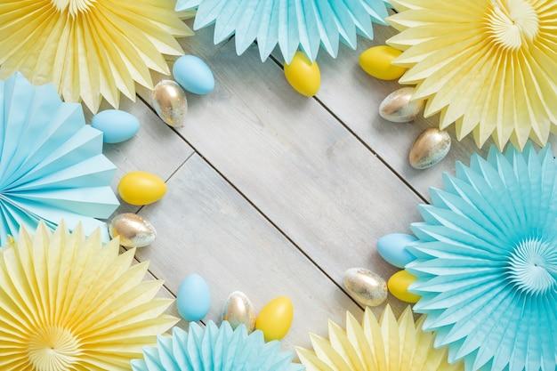 Tissue paper decorations fans und ostereier