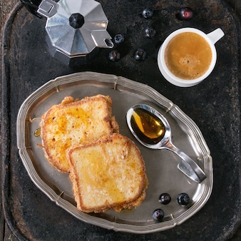 Toast mit espresso