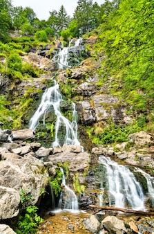 Todtnauer wasserfall im schwarzwald, einer der höchsten wasserfälle deutschlands