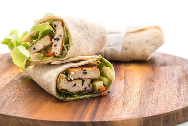 Tofu-wrap-salatbrötchen