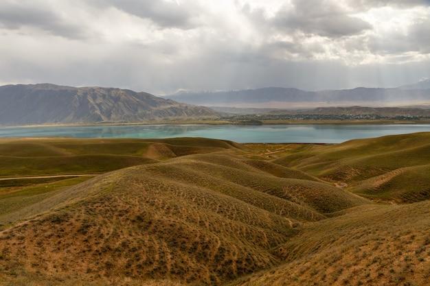 Toktogul reservoir, kirgisistan