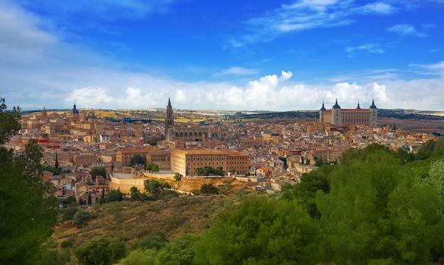 Toledo-skyline in kastilien-la mancha spanien