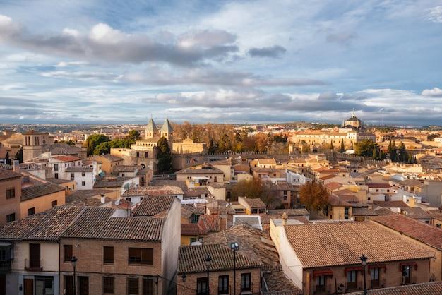 Toledo, spanien altes stadtstadtbild.