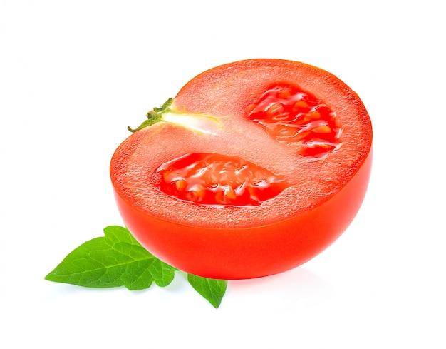 Tomate in scheiben schneiden