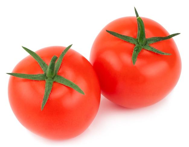 Tomate isoliert. tomate mit schnittpfad. volle schärfentiefe.