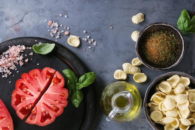 Tomaten coeur de boeuf. beefsteak-tomate