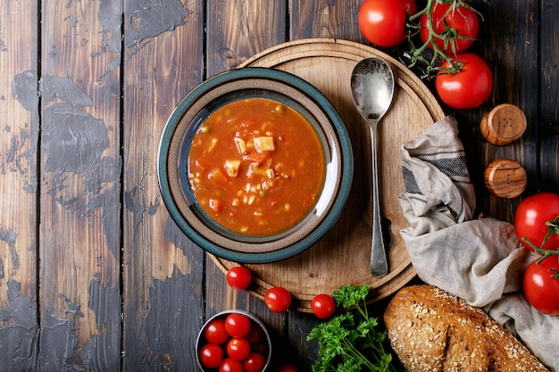 Tomaten-gemüse-suppe