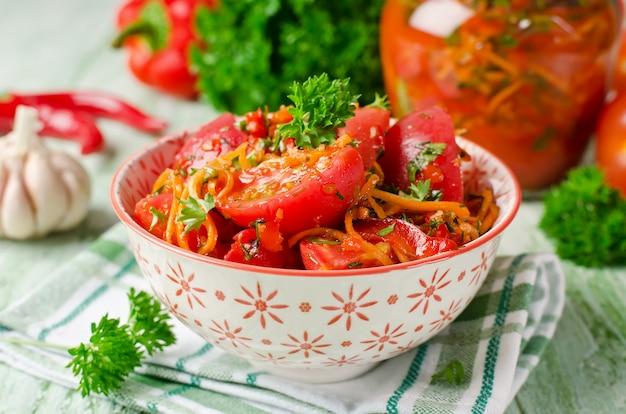 Tomaten in einer würzigen marinade