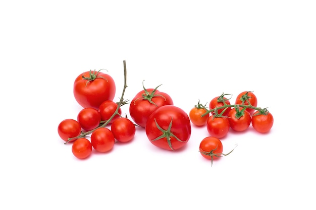 Tomaten lokalisiert auf weißem hintergrund