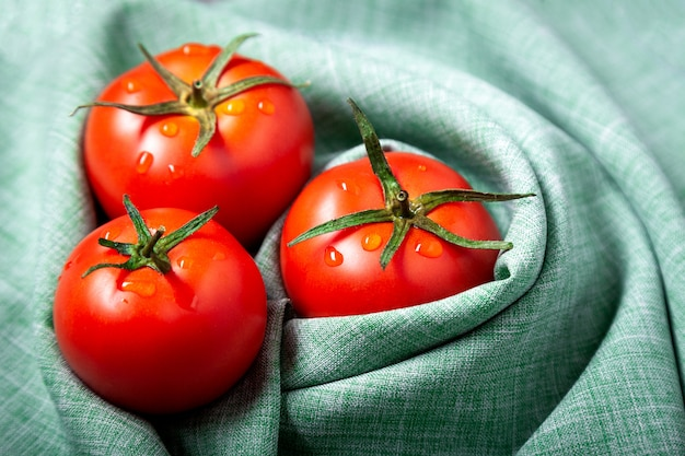 Tomaten mit tropfen