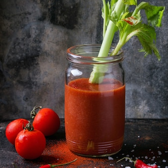 Tomaten- und paprikasaft