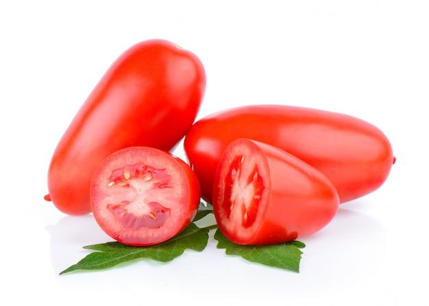 Tomatengemüse isoliert auf weiß isoliert