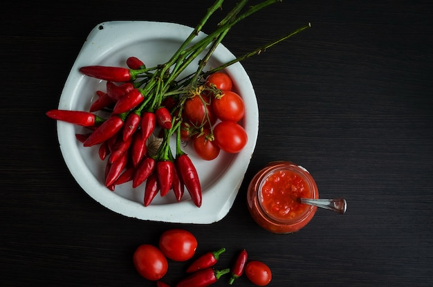 Tomatenketchup-scharfe soße