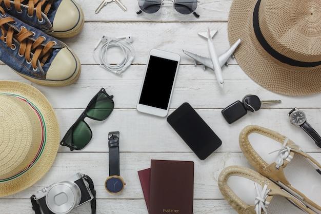 Top-ansicht frauen und mann für das wesentliche zu reise-konzept