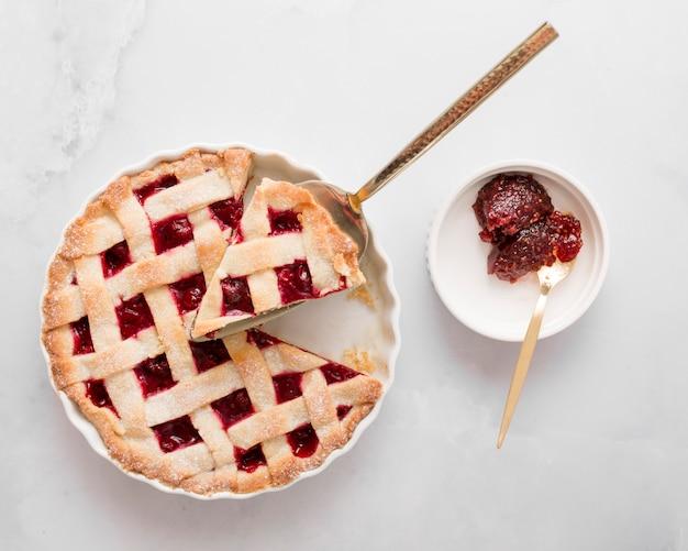 Top view pie und hausgemachte marmelade