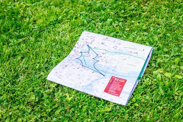 Topografische reisekarte. urlaub und ferien.