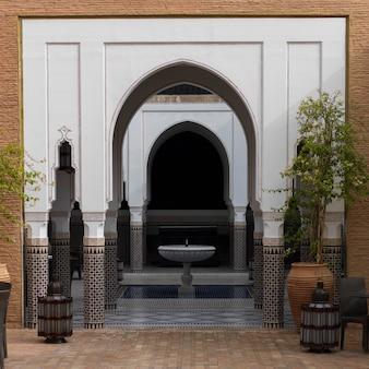 Torbogen eines hotels, riad sidi mimoune, marrakesch, marokko