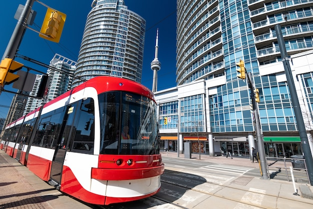 Toronto-wolkenkratzer und das transportsystem