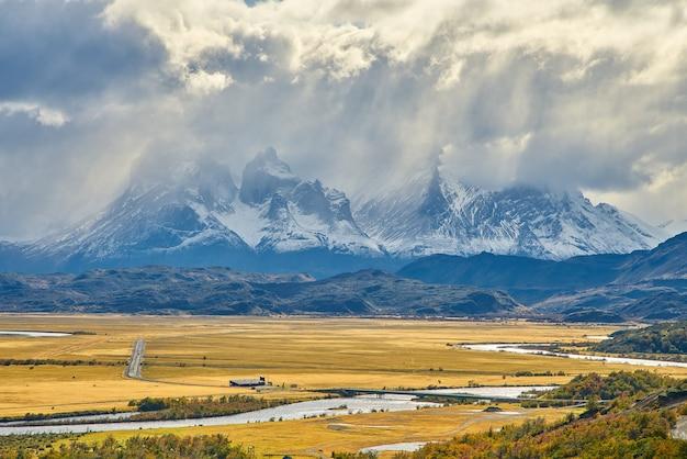 Torres del paine, nationalpark, chile, die berühmte route des trekkings